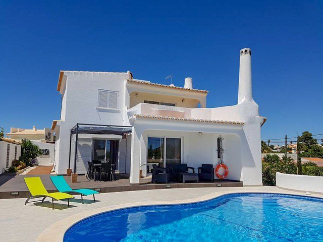 Family Airbnb Algarve Portugal with kids
