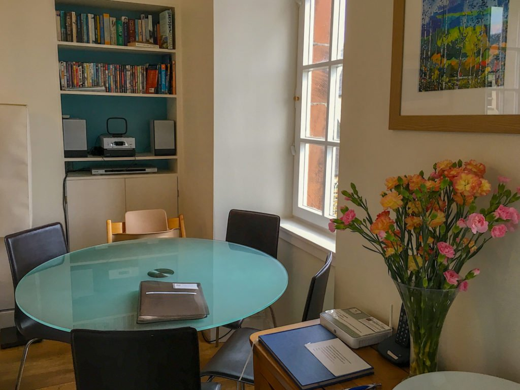 Family Airbnb Edinburgh Scotland with kids
